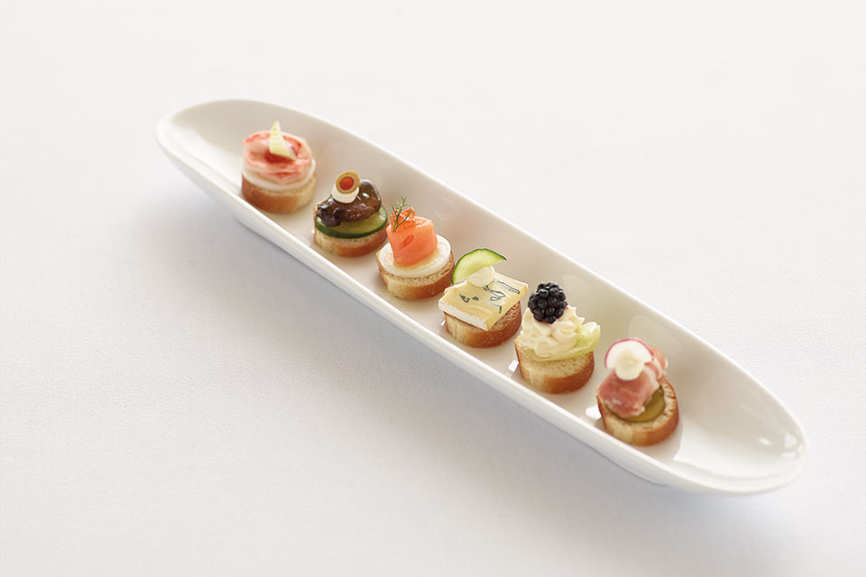 Canapés ':' Six upscale and well-balanced canapés designed to impress your guests — and their palates.